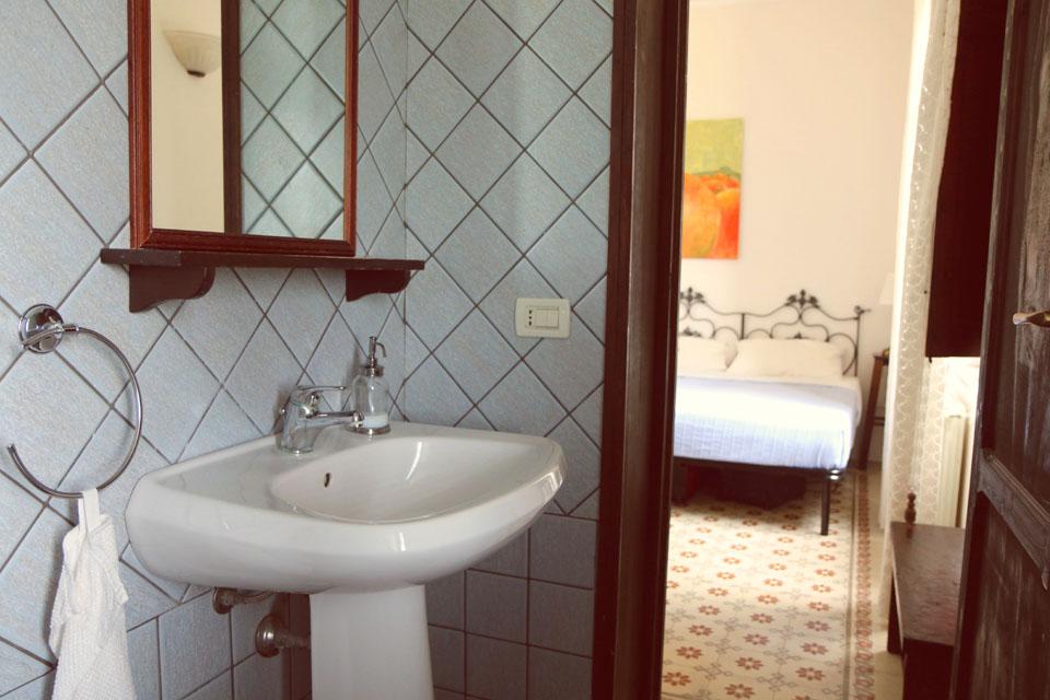 italien sizilien liparische inseln villa vajarassa kiten. Black Bedroom Furniture Sets. Home Design Ideas