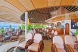 Malediven Angaga Island Resort Hauptbar