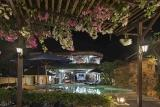 Lombok - Villa Almarik, Ambiente am Abend