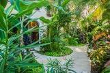 The Bric Hotel, Garten
