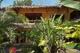 Bohol - Oasis Beach Resort, Superiorzimmer außen