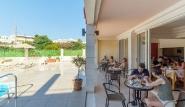 Kreta, Hotel Hiona Holiday, Frühstücksbereich mit Terrasse