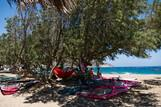 Kreta - Freak Windsurf Center, Schattenplätze am Spot