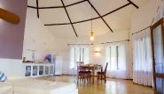 Parajuru - Casa Inge, Wohnraum mit offener Küche