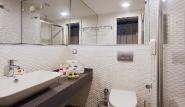 Alacati - Alkoclar Exclusive, Badezimmer Meerseite