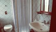 Lo Stagnone - Villa Vajarassa, Doppelzimmer Austro, Bad mit Dusche