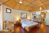 Malediven - Thulhagiri Island Resort, Deluxe Beach Bungalow Innen (Beispiel)