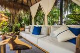 The Bric Hotel, Lounge