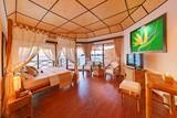 Malediven   Angaga Island Resort Zimmerbeispiel Superior Water Bungalow