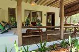 Kenia - Temple Point Resort - Boutique Gartenzimmer - Terrasse