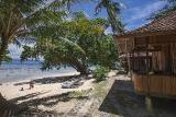 Nordsulawesi - Murex Bangka Resort, Oceanfront Cottage (Zimmerbeispiel)