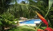 Parajuru - Casa Verde, Garten mit Pool
