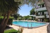 Rhodos Trianda, Terinikos, Poolbereich mit Garten