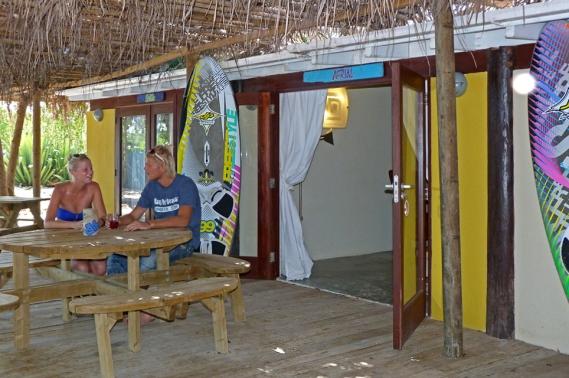 Bonaire - Jibe City Studios, Terrasse