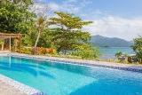 Thalassa Dive Resort Lembeh, Pool mit Blick aufs Meer