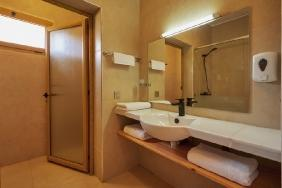 Dakhla Club - Badezimmer mit Blick Richtung WC