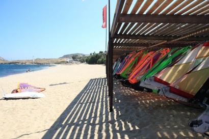 Mykonos - 3W Surf Pezi Huber, Segelhalle am Strand
