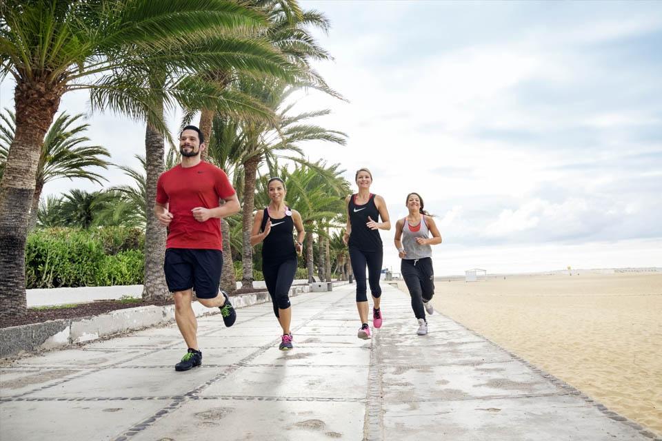 Fuerteventura - ROBINSON Club Jandia Playa, Jogging auf der Promenada