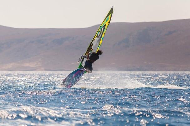 Kreta Freak Windsurf Station, Jump2