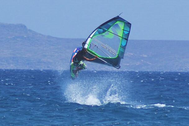 Kreta Freak Windsurf Station, Jump