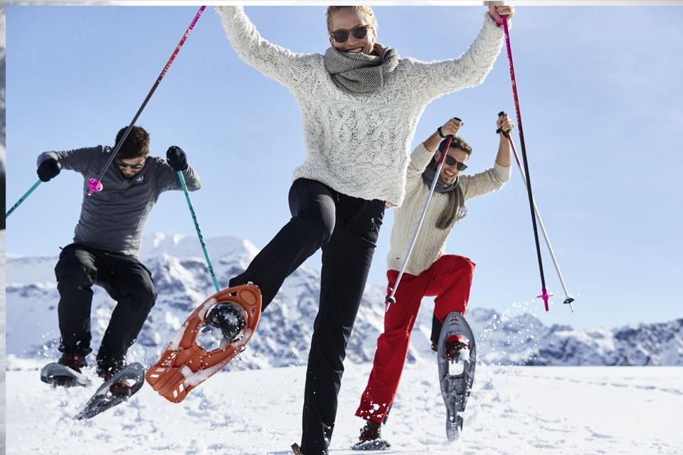 Arosa - ROBINSON Club, Spaß beim Schneeschuhwandern