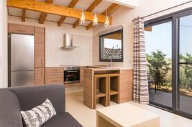 Limnos - Kalliopi Studios, Küche und Wohnbereich