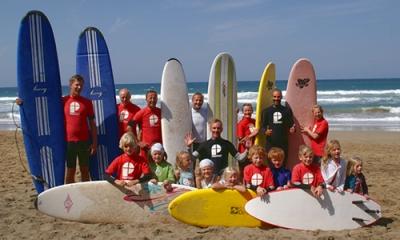 Familien Wellenreiten Surfcamps mit Kindern Surfreisen mit Family