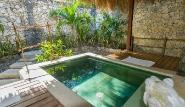 Naya Gawana Mangove Suites, Whirlpool