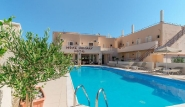 Kreta, Hotel Hiona Holiday, Aussenansicht mit Pool