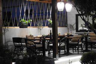 Rhodos Theologos - Nikos Ikies, Restaurant