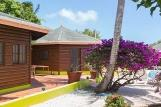 Tobago - Shepherd`s Inn, Pond Rooms Aussenansicht mit Pool