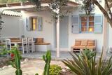 Naxos - Flisvos seaside Studios & Apartments,  Appartement mit Garten und 2 Bädern, Terrasse