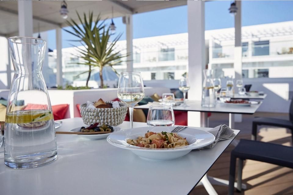Fuerteventura, ROBINSON Club Jandia Playa, Hauptrestaurant Außenterrasse
