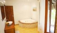 Parajuru - Casa Inge, Bad mit Badewanne