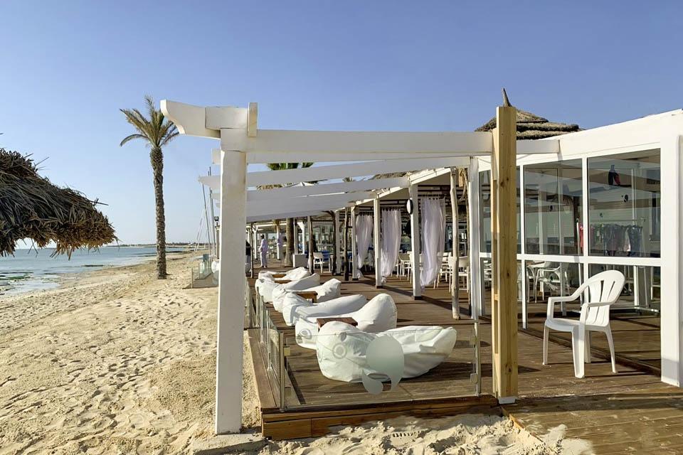Djerba - ROBINSON Club Djerba Bahiya, Chill Out am Strand