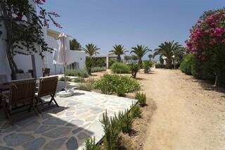 Naxia Apartments - eigene Terrasse mit Meerblick und direktem Zugang zum Strand