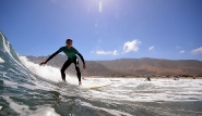 Surf Lanzarote Wellenreiten im Surfcamp Costa Teguise