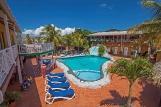 Curacao - Rancho el Sobrino, Pool mit Liegen
