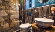 Limnos - Keros Blue, modernes Bad mit Duschkabine