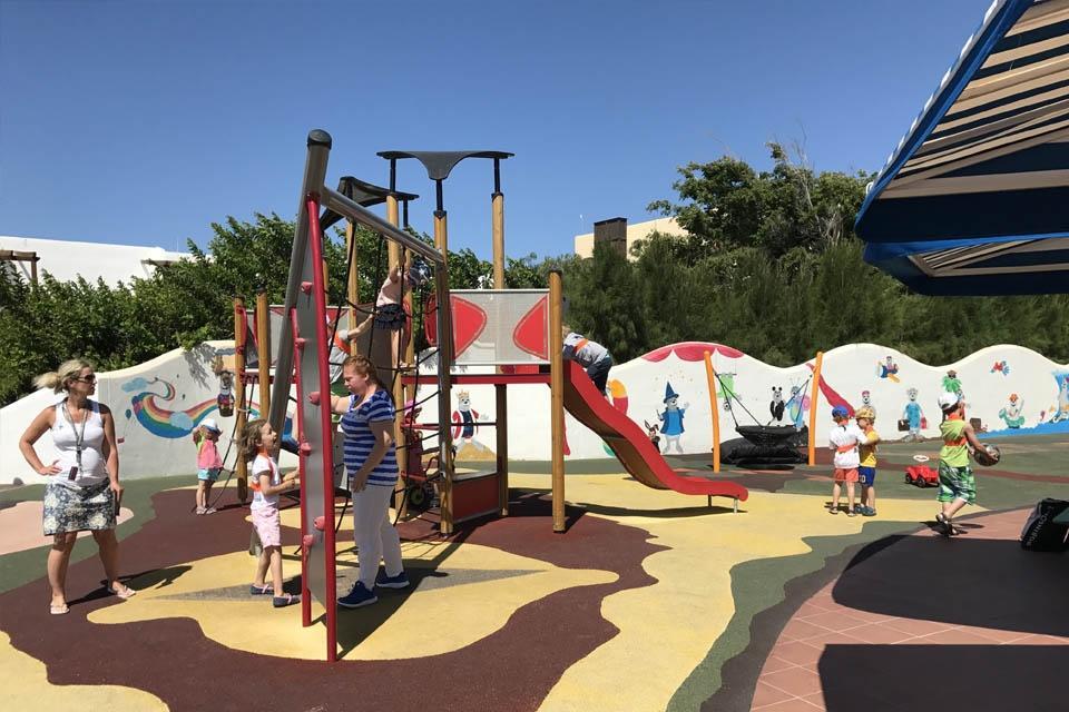 Fuerteventura -ROBINSON Club Esquinzo Playa, Roby Club Klettergerüst