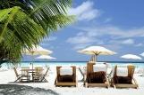 Malediven - ROBINSON Club Maldives, Strand Liegebereich