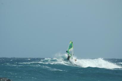 Lanzarote, Windsurf Paradise, Welle abreiten