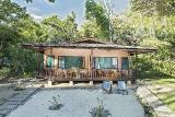 Nordsulawesi - Murex Bangka Resort, Oceanfront Cottage Duplex (Zimmerbeispiel)