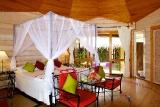 Lhaviyani Atoll - Kuredu, Jacuzzi Beach Villa, Zimmerbeispiel