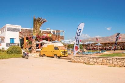 Karpathos - ION CLUB, Station und Anemos Bar