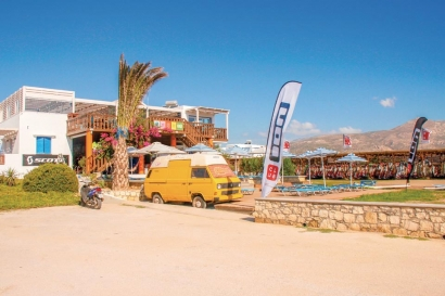Karpathos - ION CLUB, Station und Anemos Bar