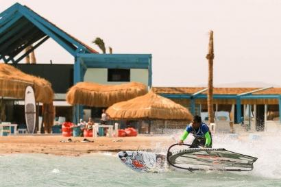 El Gouna - Windsurf Action vor Element Station