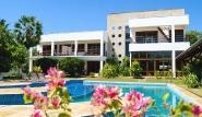 Parajuru - Casa Grande, Aussenansicht mit Pool
