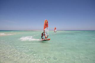 Hurghada - Surf Action am Magawish Spot