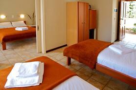 Lefkada - Club Vass Hotel, Zimmer mit Verbindungstür